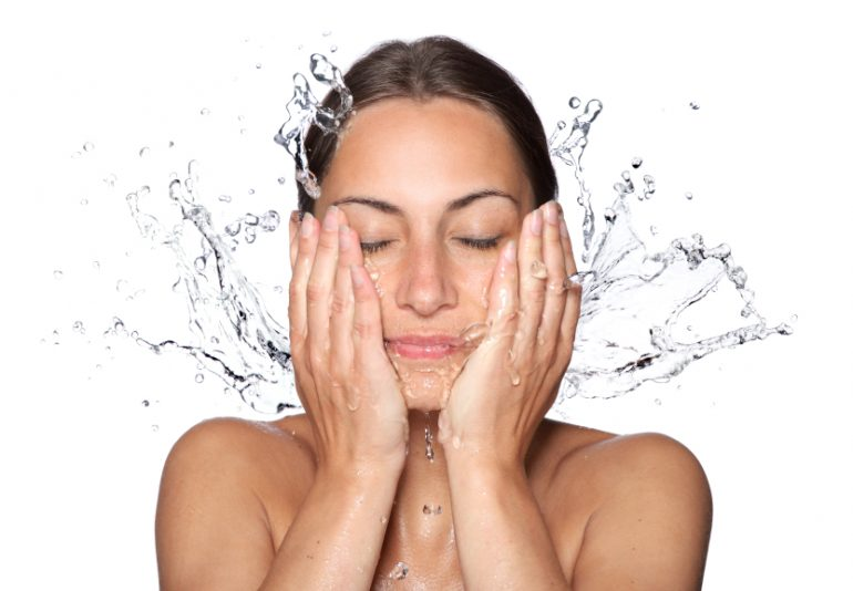 How to choose facial cleanser 770x534 1 Bharat Headlines